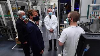 Óriási villanyautó-támogatást ígér Franciaország