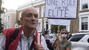 Drámaian csökkent Boris Johnson népszerűsége a karanténszegő főtanácsos miatt