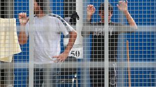 Mégsem a nagykövetségeken lehet majd beadni a menedékkérelmeket