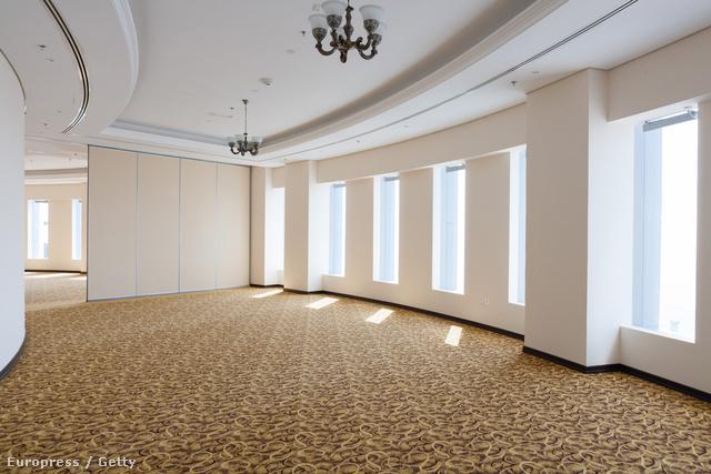 Az üres szobák egyike a megnyitó napján.