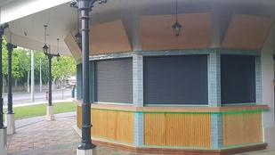 Lambéria és műanyag redőny – így alakították át a Városliget egyik pavilonját