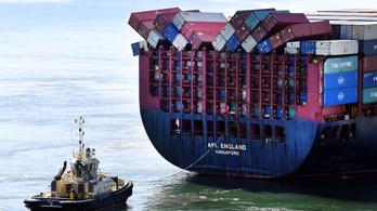 Szájmaszkokat sodort partra az óceán Ausztráliában, miután 40 konténer leesett egy teherhajóról