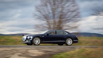 Autópályán gyorsultak 340-re az új Bentley-vel