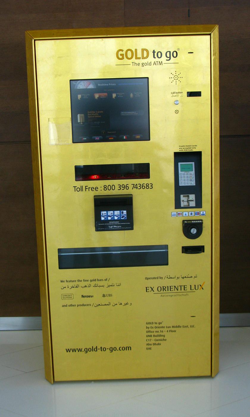 Éppen nincs nálad egy aranytömb sem, amikor kellene? Semmi gond, hiszen Dubajban akár automatából is kiveheted őket. És ez ott teljesen természetes.
