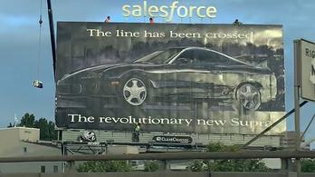 Miért van még mindig egy 1993-as Toyota Supra óriásplakát San Franciscóban?