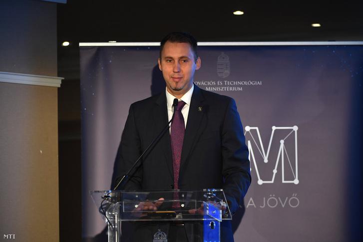Virág Barnabás, a Magyar Nemzeti Bank ügyvezető igazgatója előadást tart a KKV Stratégia Konferencián 2019. november 5-én.