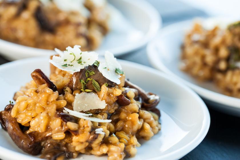 A gombák közül a vargánya tartalmazza a legtöbb káliumot, 10 dekagramm 580 milligrammot. Készíts belőle isteni gombás-kakukkfüves-barna rizses rizottót!