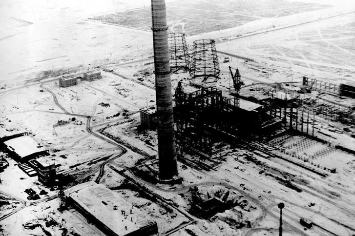 A gyár épülő erőműve