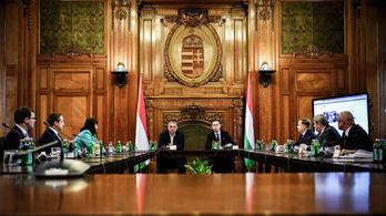 A kormány gyorsan szétdobott 192 milliárd forintot a gazdaságvédelmi alapból