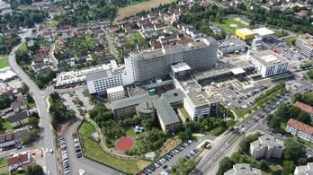 Több mint egy év után hazaengedték a 21 hét terhesség után született német kisbabát