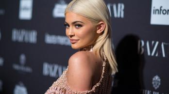 A sminkmágnás celeb Kylie Jenner csak bekamuzta, hogy gazdagabb, mint Mészáros Lőrinc