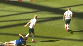 Messinek hitte magát a Schalke-védő, csúnya vége lett