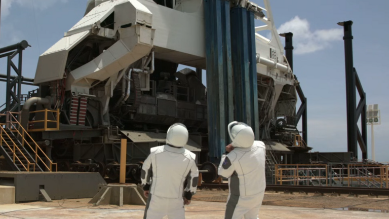 Történelmet írt a SpaceX és a NASA: újra van Amerikának űrhajója