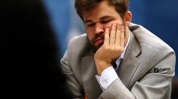 Kikapott az online sakktorna elődöntőjében a világbajnoki címvédő Magnus Carlsen