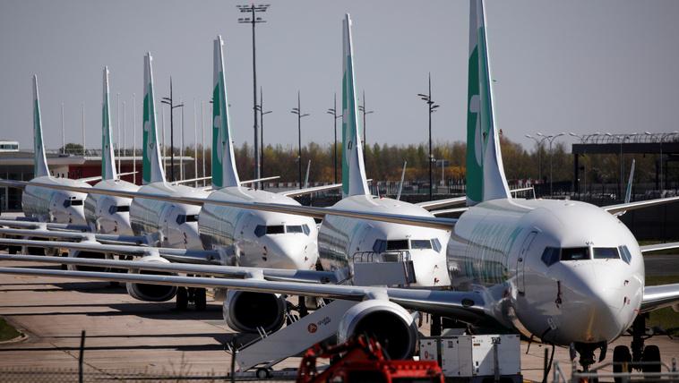 Drágulhatnak a jegyek, miközben a légitársaságokat megmentik