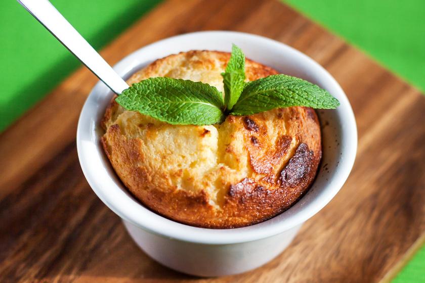 Vaníliás, mazsolás túrófelfújt: habkönnyű desszert pár perc munkával