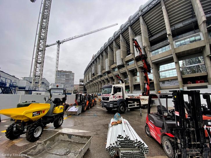 A Santiago Bernabéu stadionon kívül zajló munkák