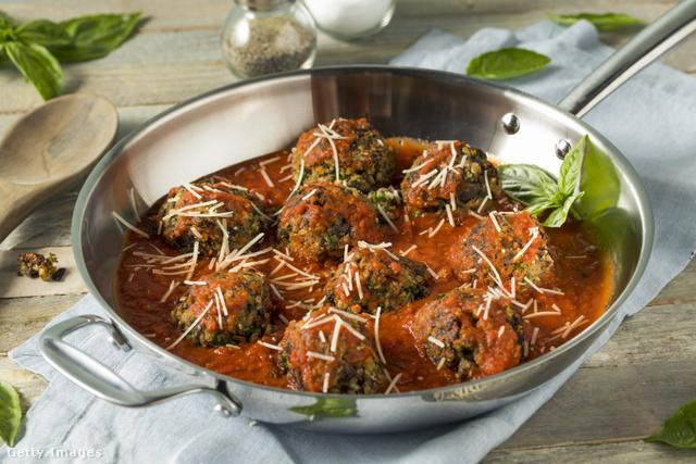 A paradicsomszósz eredeti olasz recept alapján készül.