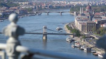 Szigorú szabályok mellett újra elindulnak a turistahajók a Dunán