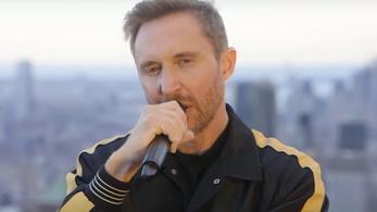 David Guetta borzasztó módját választotta a tiszteletadásnak