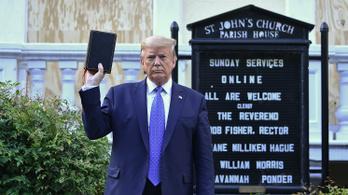 Több egyházi vezető is bírálta Trumpot, akinek egy Bibliával pózolós fotózásához könnygázzal oszlatták a tüntetőket