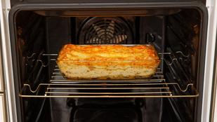 Cheddar sajttal és erdei gombás raguval a legegyszerűbb karajszeletek is izgalmasak
