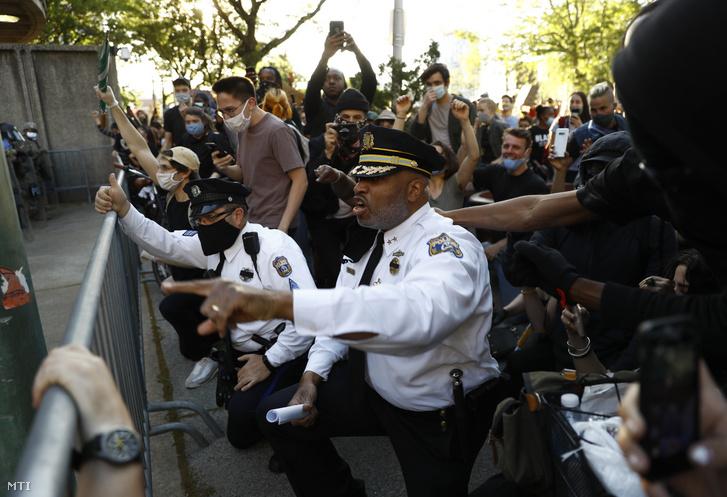 Melvin Singleton philadelphiai rendőrfőnök-helyettes