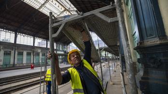 2,5 milliárdra becsülték, 9 milliárdba fog kerülni a Nyugati tetőszerkezetének felújítása