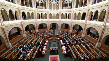 Az Orbán-kormány módosítani akarja a választási törvényt, nehéz lesz az ellenzéki pártoknak