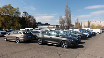 Csaknem ötödével kevesebb új autó került forgalomba 2020-ban
