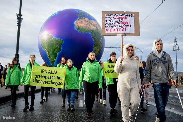 A magyar Fridays for Future menet 2019. november 29-én