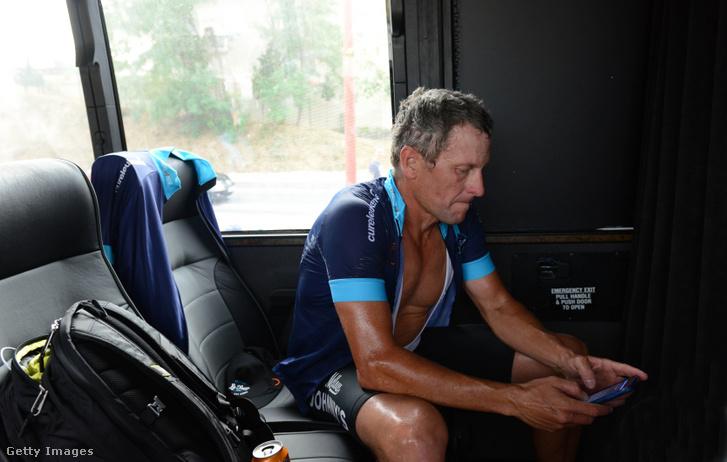 Lance Armstrong egy jótékonysági verseny egyik szakasza után 2015-ben