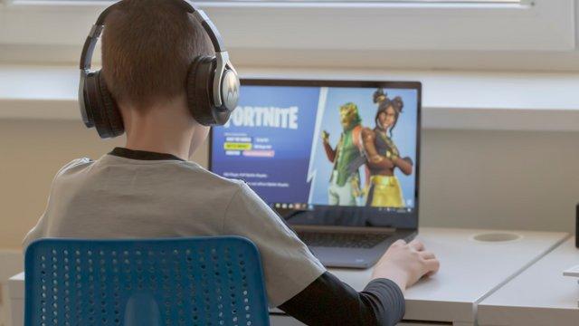 Online függő lett a gyerekem?