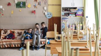Mindössze 21 ezer tanuló ment vissza az iskolákba