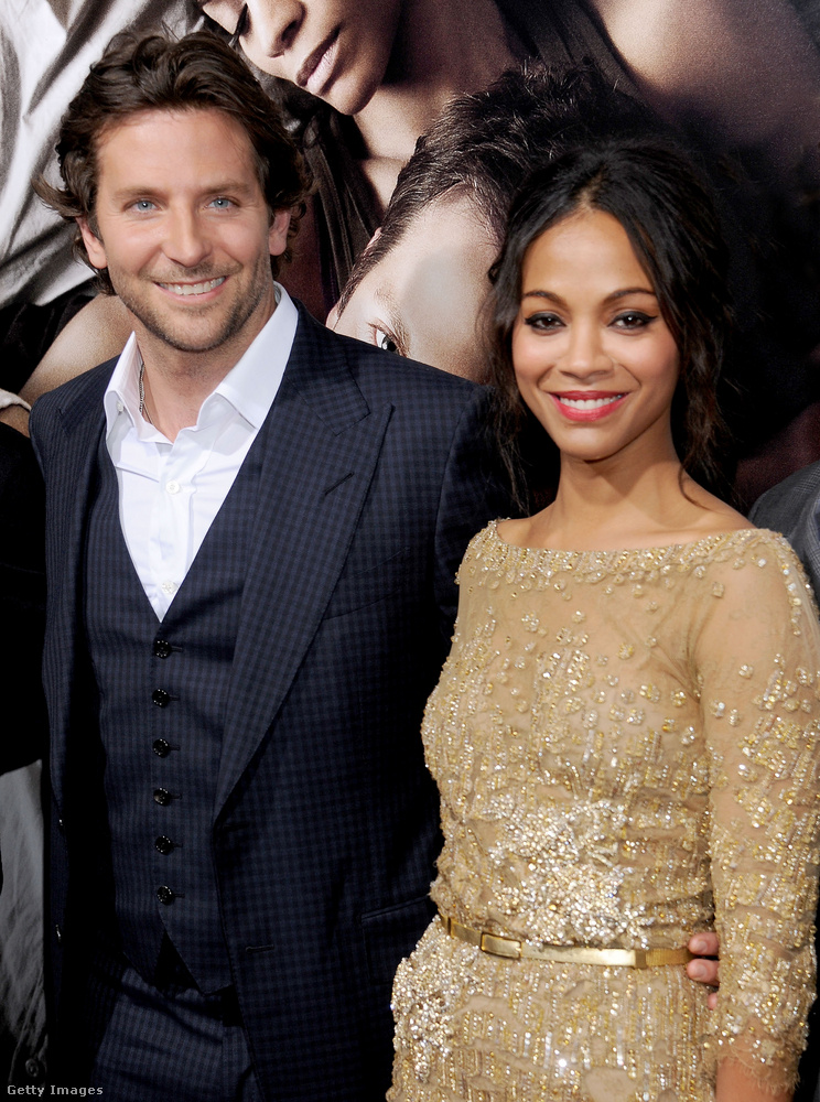 A 2011-es évet azonban már Zoe Saldana karjaiban zárta Bradley Cooper, állítólag jó nagyot csókolóztak szilveszterkor