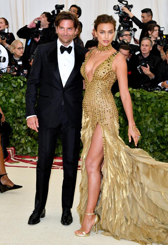 Irina Shayk 2010-től 2015-ig Cristiano Ronaldo futballista partnere volt, de a modell 2015-től már Bradley Cooperrel kezdett mutatkozni