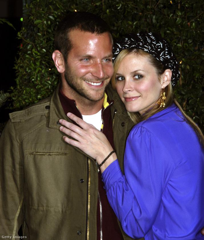 Ez a fotó is létezik, mégsem találjuk semmi nyomát annak, hogy Bradley Cooper és Bonnie Somerville bármi más kapcsolatban lettek volna azon kívül, hogy 2005-ben együtt szerepeltek egy hamar bebukott vígjátéksorozatban, a Kitchen Confidentialben