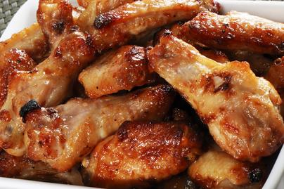 Ropogós bőrű, sütőben sült csirkeszárnyak - Olcsó, de isteni fogás