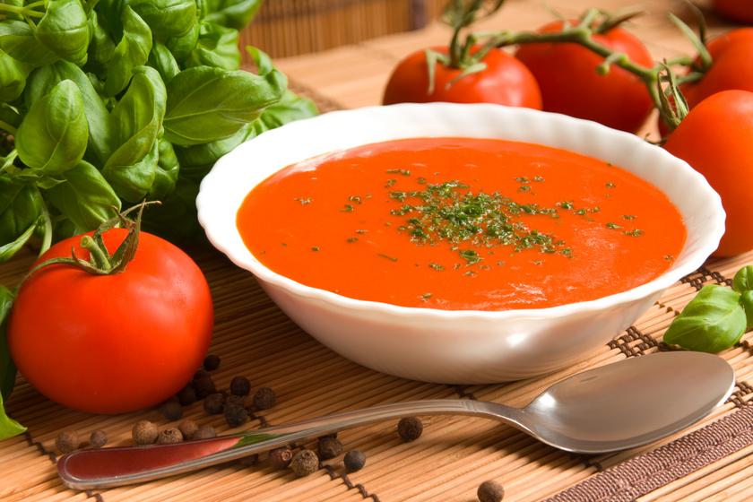 A krómnak kiemelkedő szerepe van a szénhidrát-, fehérje- és zsíranyagcserében, stabilizálja és szinten tartja a vércukorszintet azáltal, hogy javítja az inzulin hatását, valamint csökkenti az étvágyat és a koleszterinszintet is. Olyan ételeket fogyassz, mint például a teljes kiőrlésű gabonák, brokkoli, paradicsom vagy marhahús.