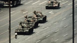 Tankokkal lőtték a tüntetőket a fővárosban: hivatalosan nem történt semmi különös