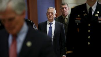 Trump három évig hallgató volt védelmi minisztere keményen beolvasott az elnöknek