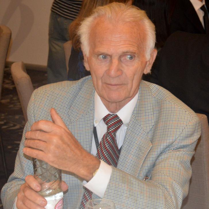 Kausz István