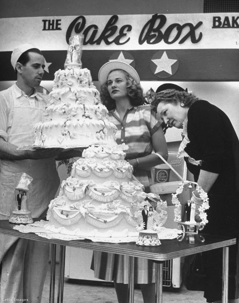Talán már feltűnt önöknek, hogy Barbara Alvin mindenhová kalapban ment, ami a negyvenes évekban alapvető fontosságú kiegészítő volt