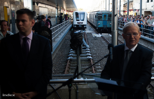 Vitézy Dávid és Tarlós István az új Alstom metrók első útján