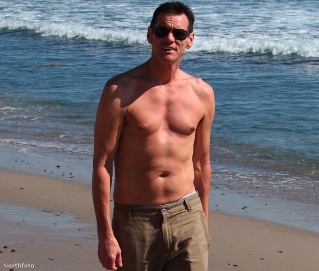 Jim Carrey a strandon Malibuban