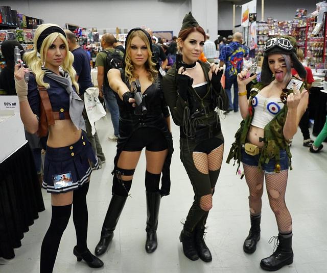 Hadikvartett: A Sucker Punch csajai és Tank Girl.