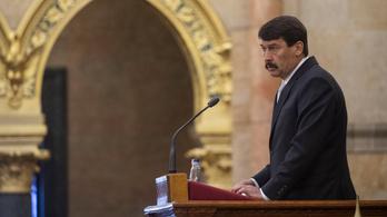 Áder Trianonról a parlamentben: Nem leszünk partnerek az elhallgatásban