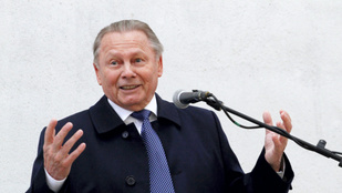 Magyar nótát énekel a volt szlovák államfő a rádióban