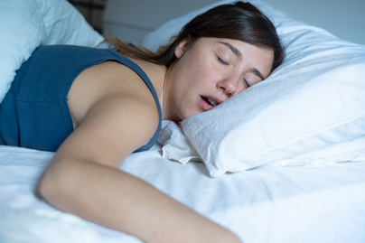 horkolás nyitó