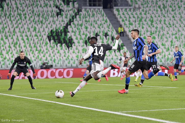 Blaise Matuidi a Juventus és az FC Internazionale közötti mérkőzésen 2020. március 8-án Torinóban.